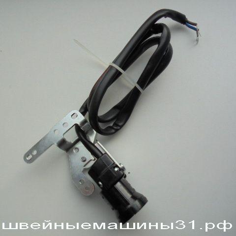 патрон под двухконтактную лампу         цена 400 руб.